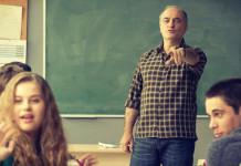 serie de netflix Merlí profesor de filosofia para adolescentes madres y padres y maestros